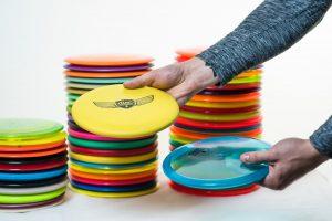 Disc Golf Scheiben der Marken Innova und Dynamic Discs